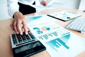 מתי נכון להיעזר באשראי החוץ בנקאי